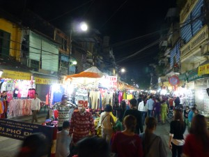 Dong Xuan night market